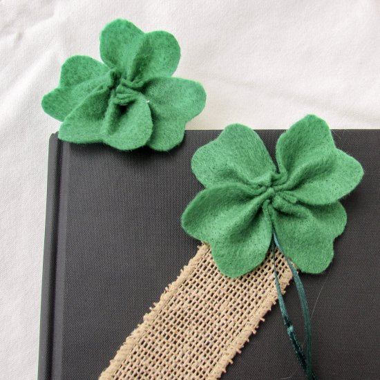 How To Make Felt Shamrock Bookmarks