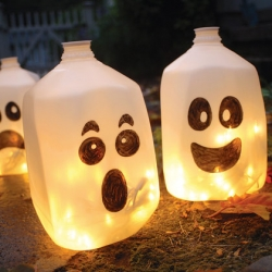 upcycled halloween decorations - How To Make A Halloween Decoration
