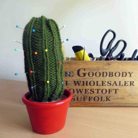 crochet cactus pincushion - Google Search | Porta alfinete de ... | 550x550
