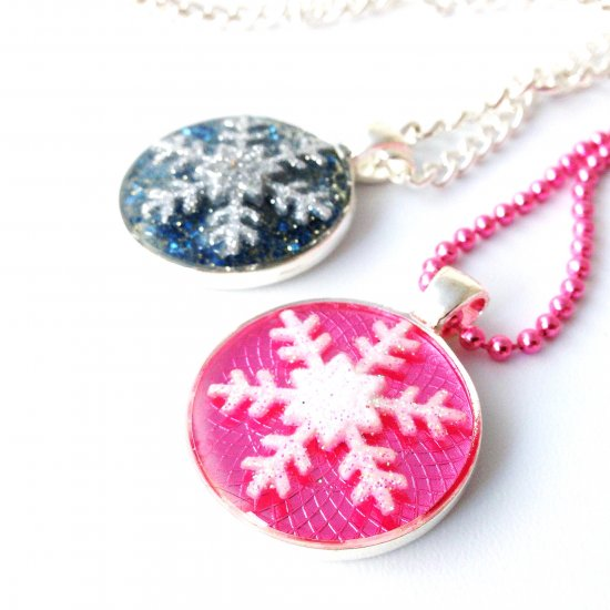 Resin jewelry gallery craftgawker snowflake resin jewelry tutorial aloadofball Images