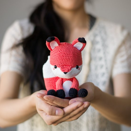 Amigurumi Charming Sleeping Fox | 550x550