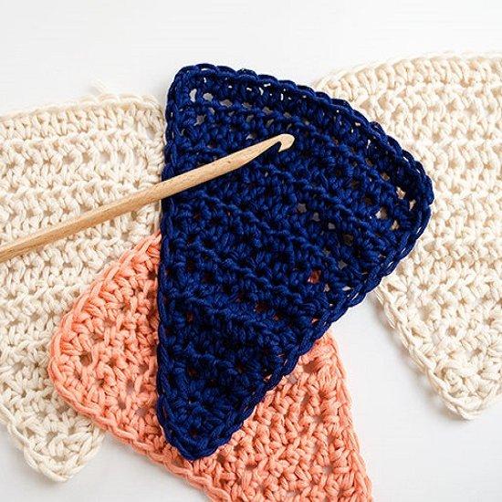 Free Pattern: Crochet Buntings