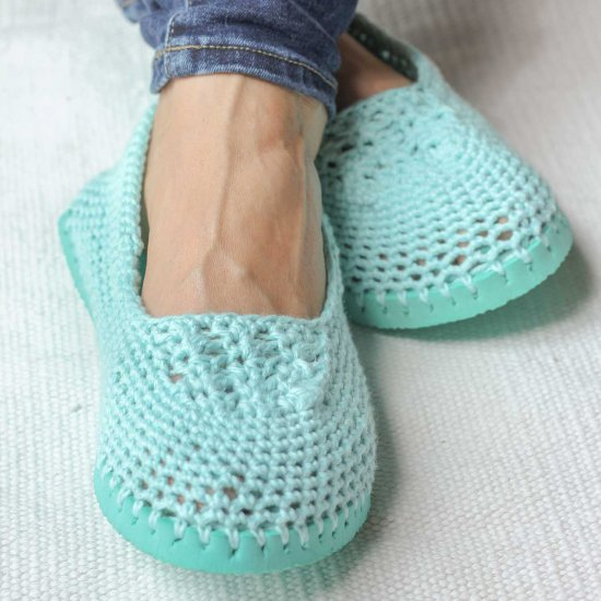 Crochet Slippers ? Flip Flop Soles! Craft Gawker ...