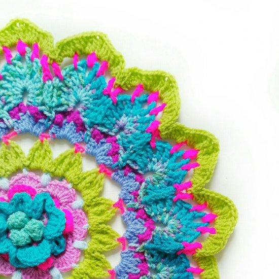 big flower crochet mandala   craftgawker