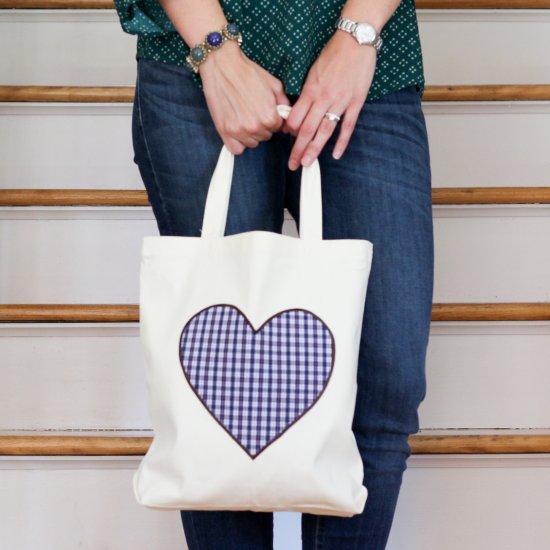 no-sew upcycled shirt tote bag   craftgawker