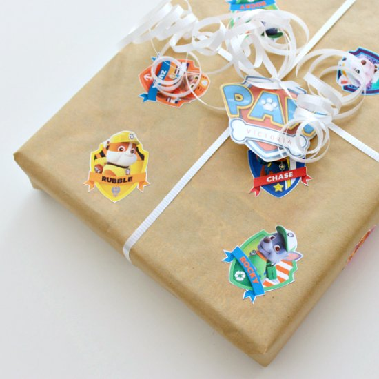 DIY Paw Patrol Gift Wrap