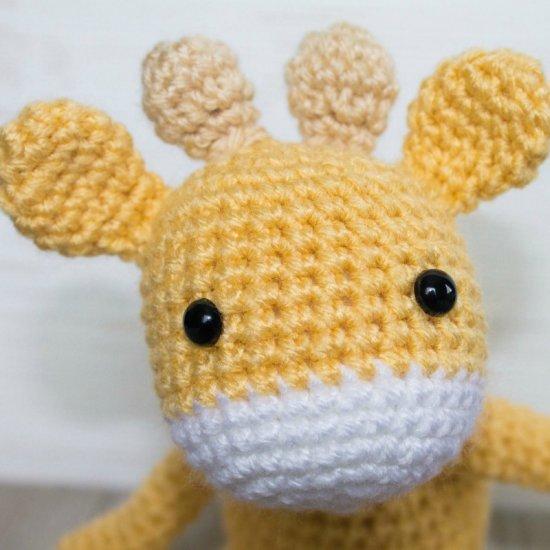 Free Crochet Mini Giraffe Pattern Craftgawker