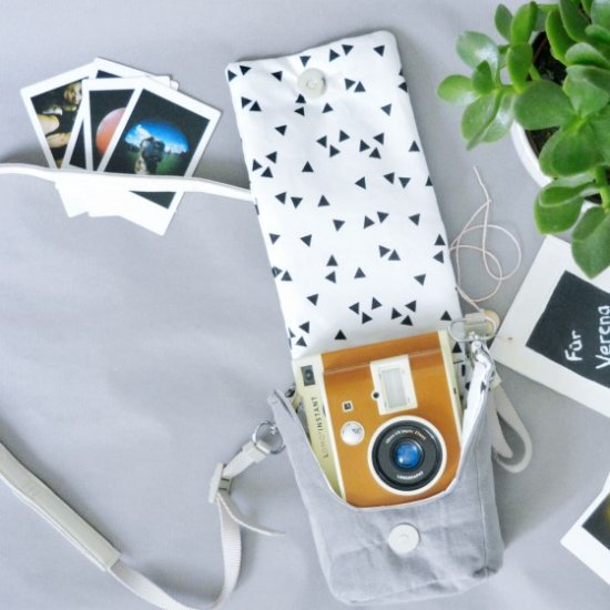 DIY Camera Bag for instant cameras
