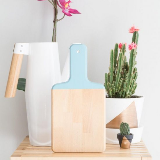 quick color-blocked cutting board