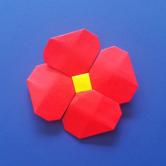 Modular origami flower from paper - a bouquet of daffodils | 550x550