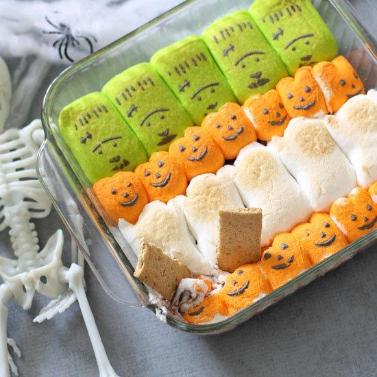 Halloween s'mores dip