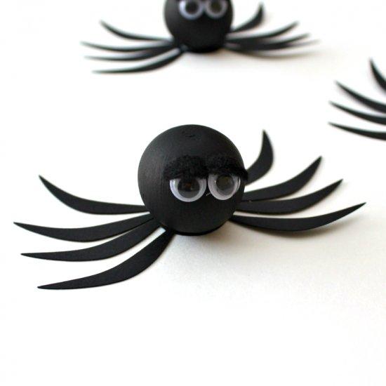 Halloween Spiders (& Freebie)