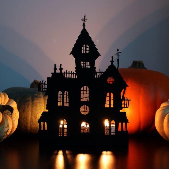 Haunted house Halloween decoration