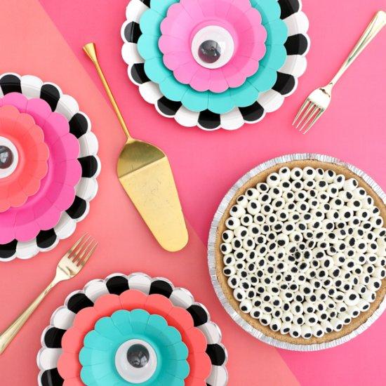 DIY Googly Eye S'mores Pie