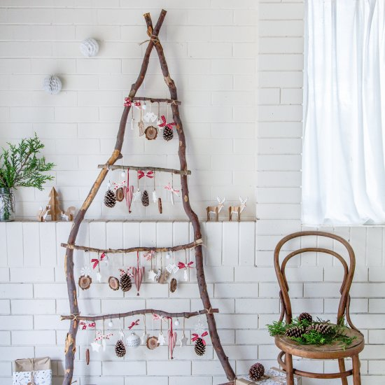 Ladder Christmas Tree.Diy Scandi Ladder Christmas Tree Craftgawker