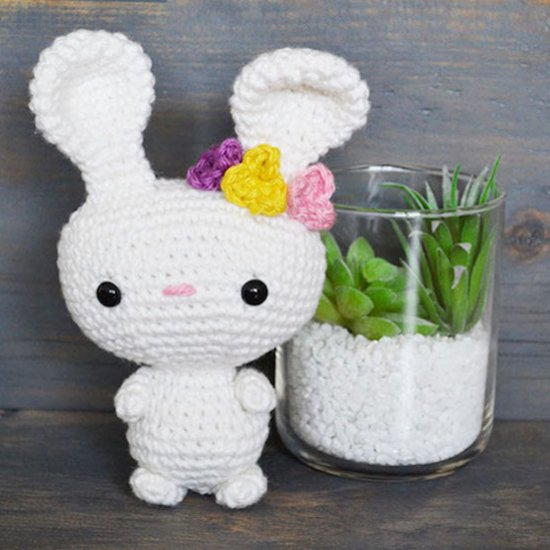 Clothes bunny toy crochet patterns PDF - Outfit Spring / Free ... | 550x550