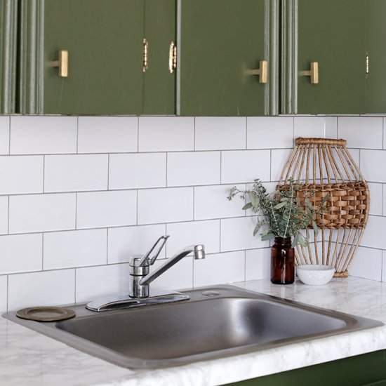 648f110d3f  114621 The Merrythought Give your kitchen a makeover with this easy DIY  countertop! Perfect for renters and only cost me  13!